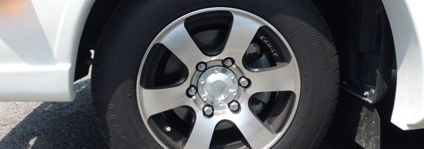 タイヤサイズと許容荷重および空気圧