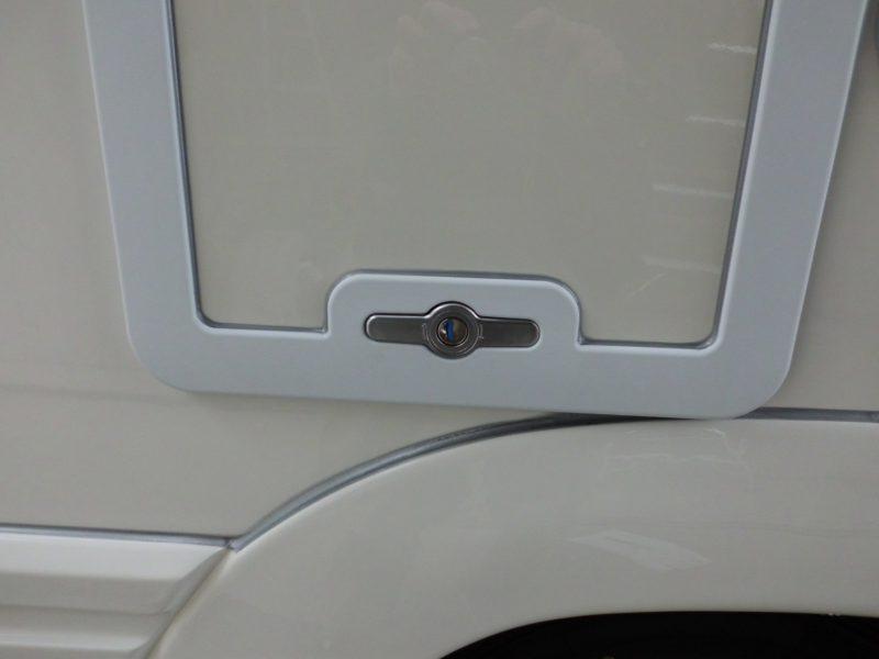 グレータンクのドアの開閉の仕方